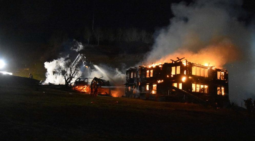 Brand in Nesslau: Haus und Schopf vollständig abgebrannt
