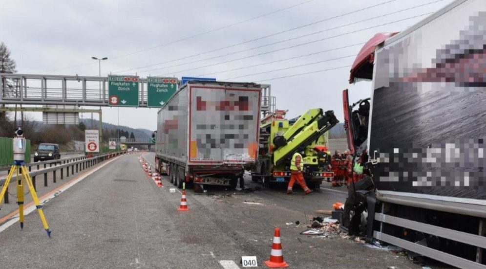 Winterthur-Wülflingen ZH: Todesopfer nach schwerem Unfall auf der A1