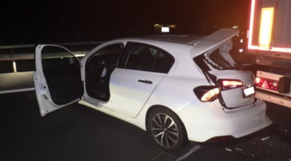 Erstfeld UR: Zwei Personen bei Unfall auf A2 verletzt