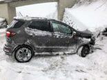 Glarus GL - Fahrerin bei Unfall in Mauer geprallt