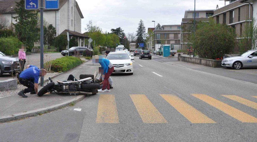 Kriegstetten SO: Töfffahrer nach Unfall ins Spital geflogen