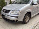 Unfall Schaffhausen SH - Gegen parkierte Autos gecrasht und abgehauen