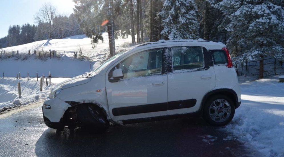 Unfall Heiden AR - Streifkollision zwischen zwei Autos