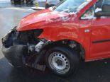 Unfall Heiden AR - Lieferwagen kracht in Auto