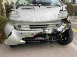 Unfall Baden AG: Smart-Lenkerin (26) mit Mauer kollidiert