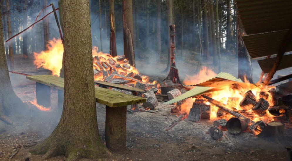 Degersheim, Algetshausen SG: Brände bei Feuerstellen