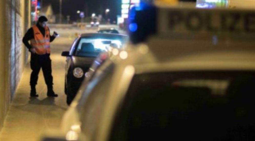 Zürich ZH: Feuerwerkskörper verletzt Polizisten bei Fahrzeugkontrolle