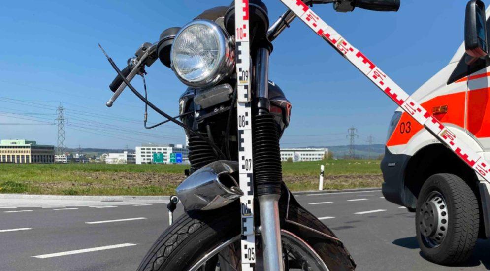 Unfall Risch Rotkreuz ZG: Motorradfahrer erheblich verletzt