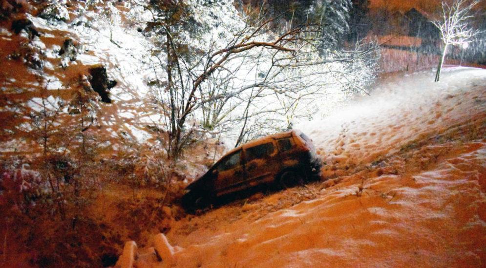 Sempach LU: Bei Unfall in Bach gelandet