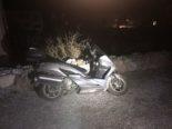 Unfall Schwanden GL: Mit Mauer kollidiertes Motorrad gefunden, Fahrer weg