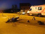 Einsiedeln SZ: Töfffahrer bei heftigem Unfall erheblich verletzt