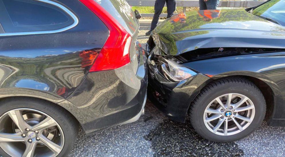 Filzbach GL: Wegen Unfall: Verkehrsbehinderungen mit Rückstau