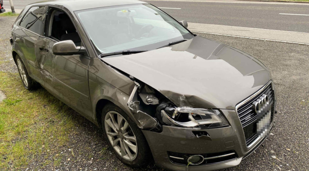 Unfälle Reinach, Klingnau AG: Audi-Fahrer (19) am Steuer eingenickt