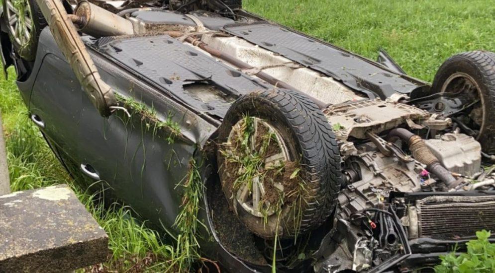 Unfall Dintikon AG: Autofahrer (26) überschlägt sich heftig