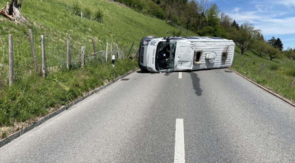 Unfall in Unterkulm AG: Camper überschlägt sich mehrmals