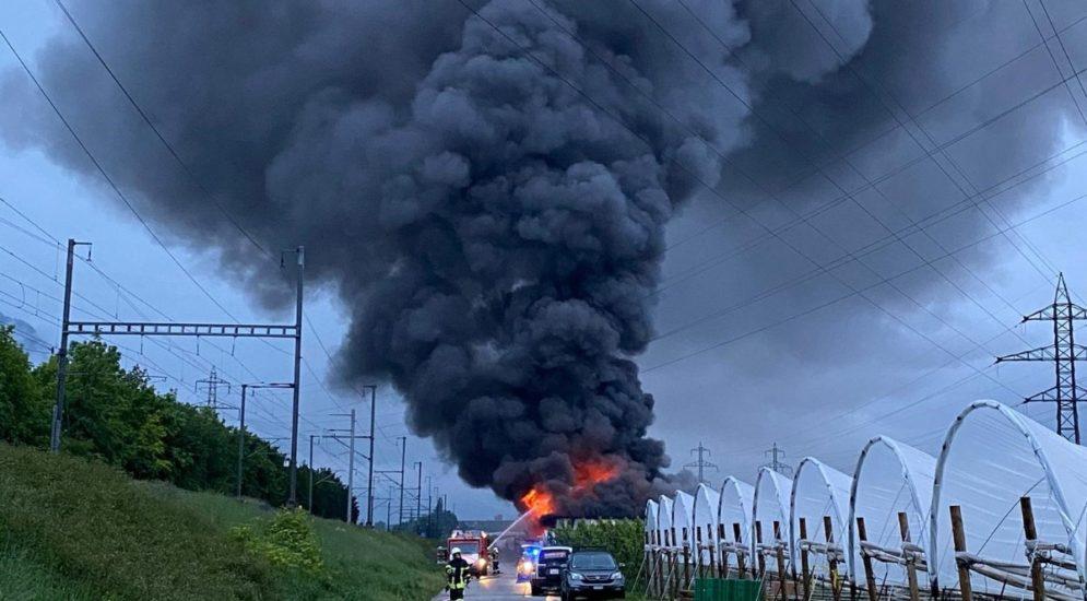 Ardon VS: Hangar brennt komplett aus