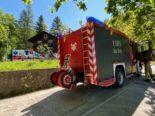 Oberwil ZG: Holzregal in Mehrfamilienhaus gerät in Brand