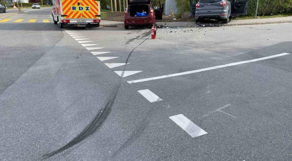 Cham ZG - Zwei Verletzte bei Unfall