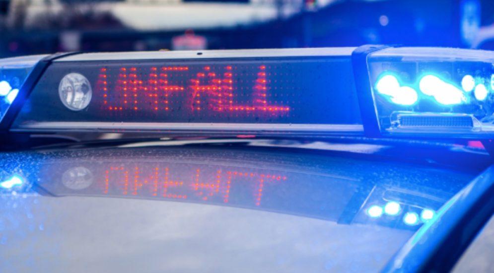 Hergiswil NW: Verletzte Beifahrerin und Totalschaden nach Unfall