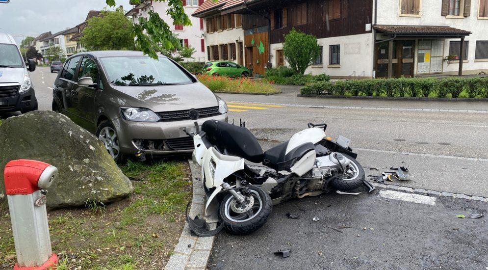 Fulenbach SO: Motorrad rutscht nach Unfall in Gegenverkehr
