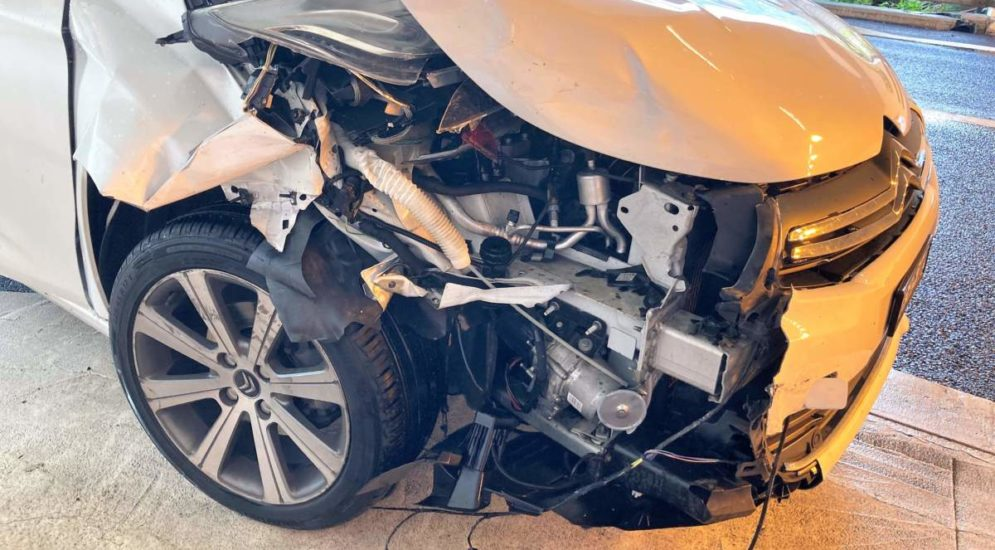 Unfall A3 Filzbach GL: Lenkerin (34) kracht in Fahrzeugheck