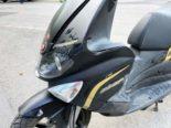 Netstal GL: Rollerfahrer (17) stürzt bei Unfall