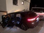 Unfall St. Moritz GR: 16-Jähriger crasht mit gestohlenem Auto gegen Haus