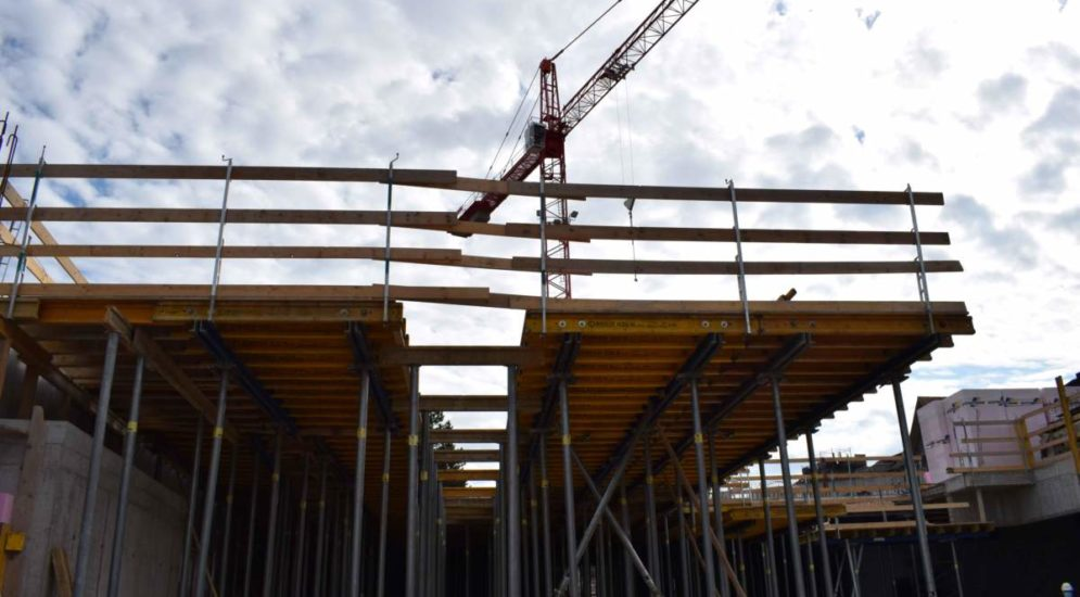 Herisau AR: Arbeiter knallt auf Betonboden