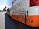 Herisau AR - Unfall: Führerloses Auto prallt gegen Bus
