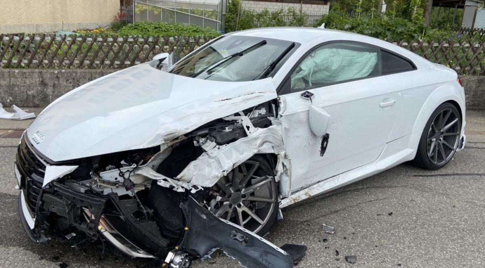 Unfall Büttikon: Strasse nach Crash mehrerer Stunden gesperrt