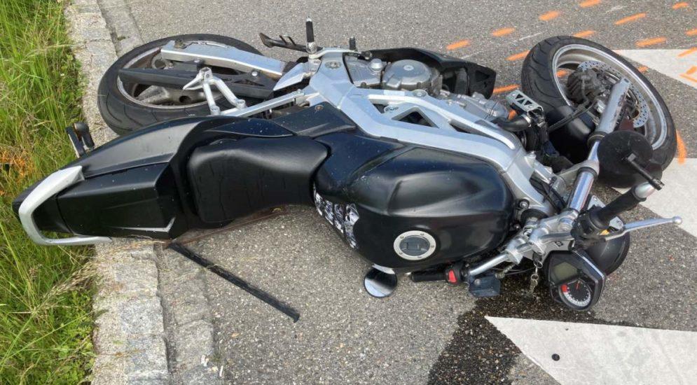 Münchwilen TG: Motorradfahrer (33) nach Unfall durch Abbiegemanöver hospitalisiert