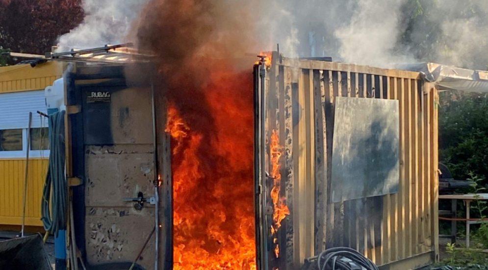 Wohlen AG: Baustellencontainer gerät in Brand