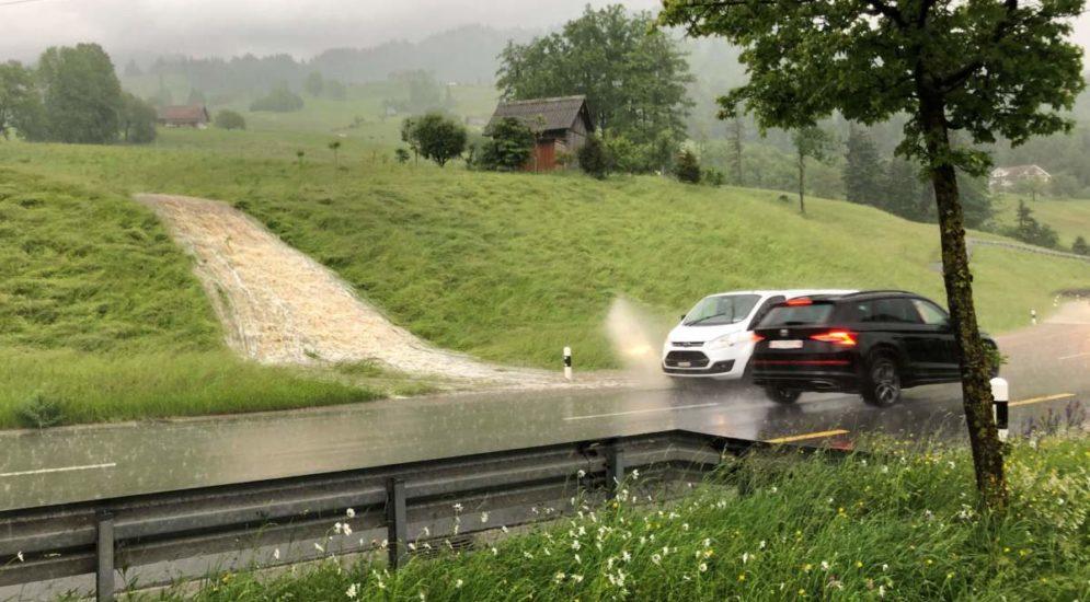 Kanton Schwyz: Feuerwehr wegen Gewitter im Dauereinsatz