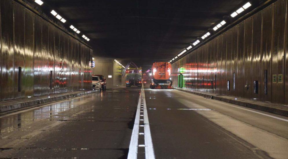 Gotthardstrassentunnel gesperrt