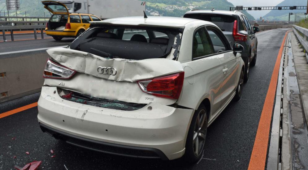 Horw LU - Unfall mit Rückstau auf der A2
