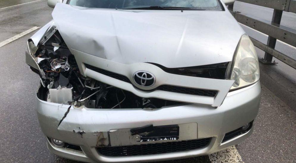 Unfall Niederurnen GL - Zwei Junglenker kollidieren auf der A3