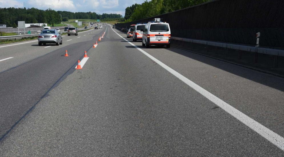 Unfall A1 Oberbüren SG: Mit Motorrad bei Spurwechsel gegen Auto geprallt