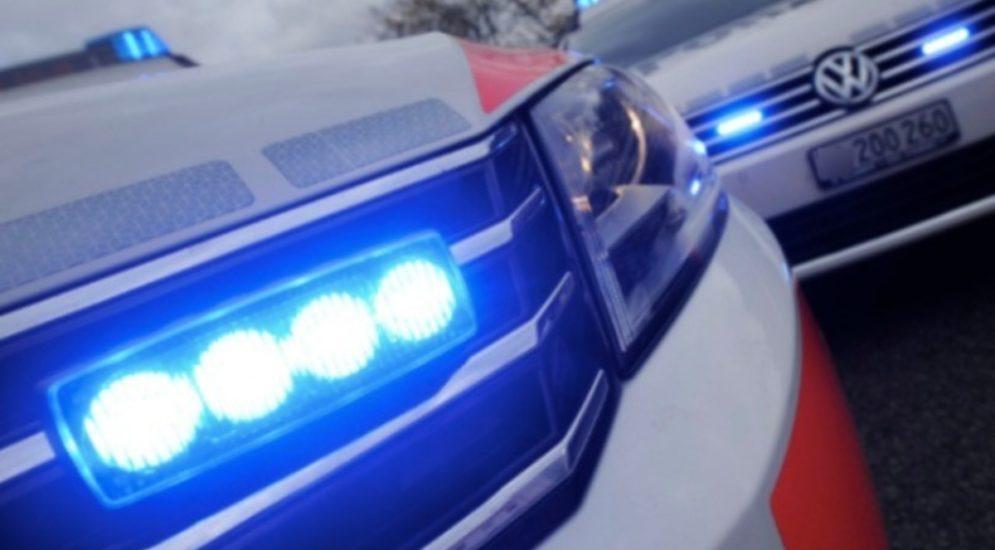 Beringen SH - Gefährliches Überholmanöver eines Personenwagens