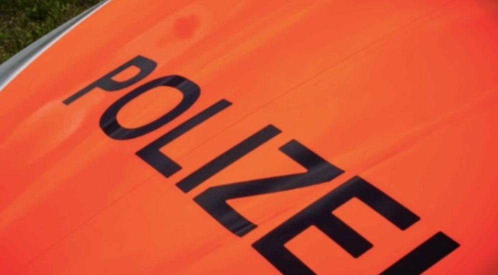 Grellingen SO - Stau auf Hauptstrasse wegen Unfall