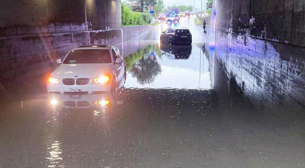 Bilten GL: Mehrere Feuerwehreinsätze nach heftigen Regenfällen