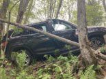 Matt GL: Fahrzeuglenker bei Unfall 100 Meter Hang hinuntergerutscht