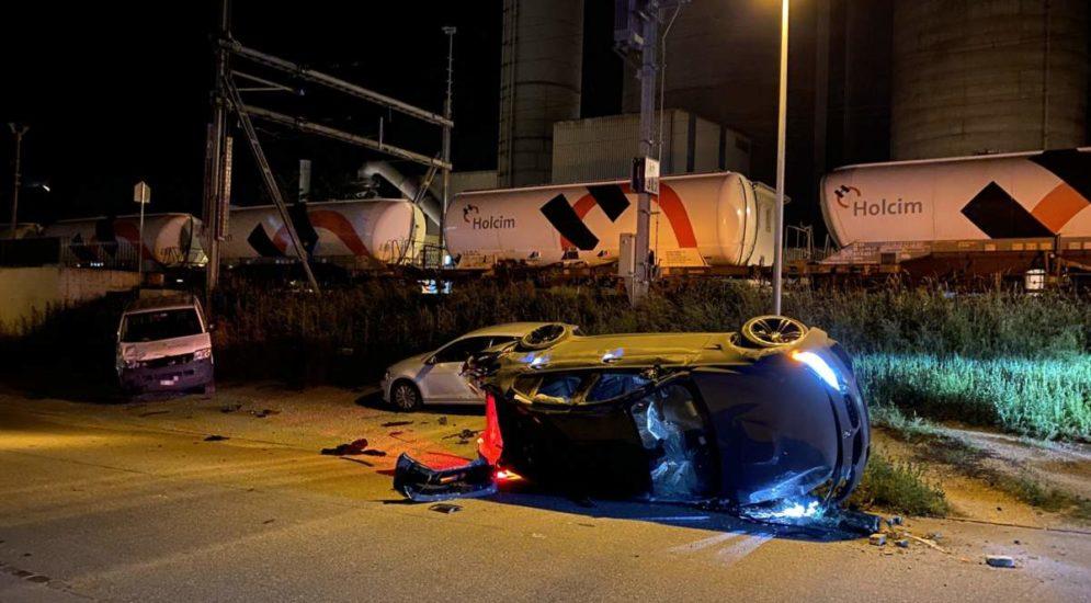 Unfall Würenlingen AG: BMW-M3-Fahrer (22) überschlägt sich mehrfach