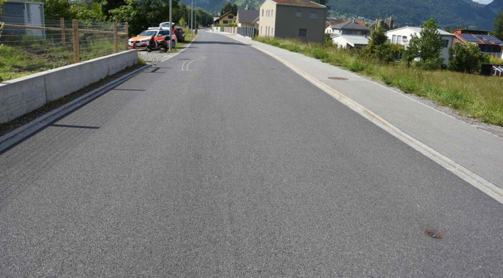 Vilters SG - Unfall einer Rollerfahrerin auf der Sarganserstrasse