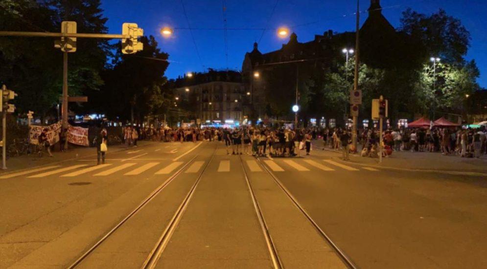 Zürich: Mehrere tausend Personen am Demonstrationsumzug