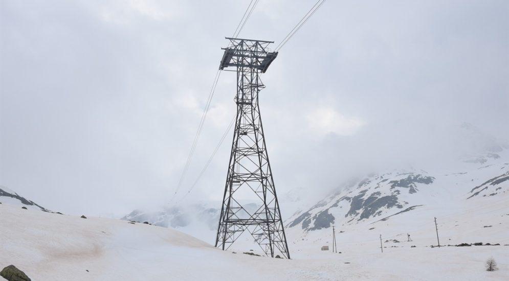 Pontresina: Bei Wartungsarbeiten an Luftseilbahn 50 Meter in die Tiefe gestürzt