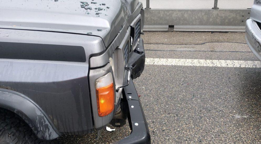 Unfall A3 Bilten GL: Fahrer (30) bemerkt zu spät stehende Autos