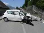 Mollis GL: 18-Jährige ist unaufmerksam und verursacht Unfall