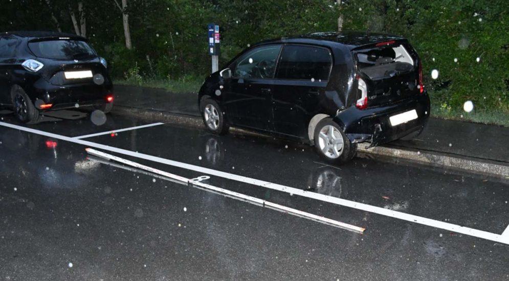 Chur: Bei Unfall in parkiertes Auto geprallt