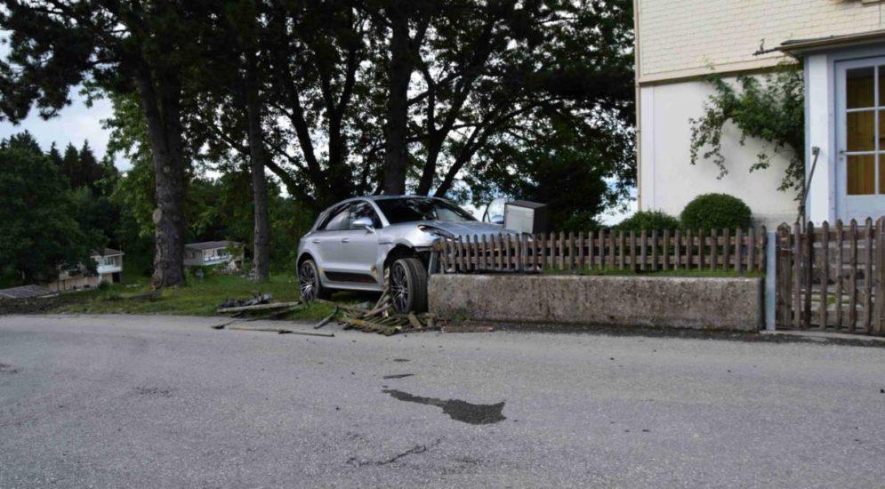 Unfall Walzenhausen AR - Mehrere heftige Kollisionen