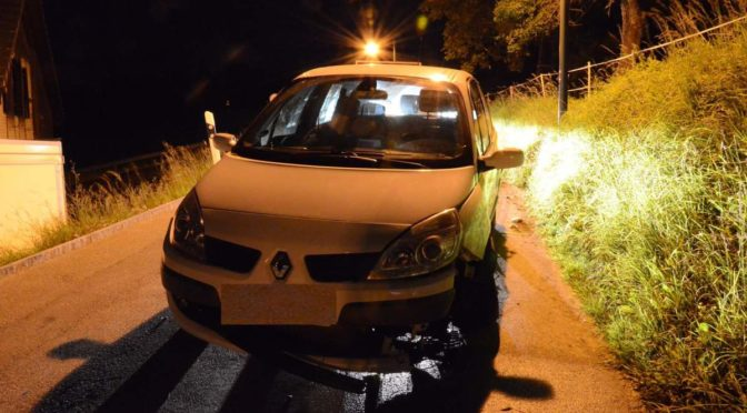 Nusshof BL - Alkoholisierter Lenker bei Unfall mit Betonrohr kollidiert